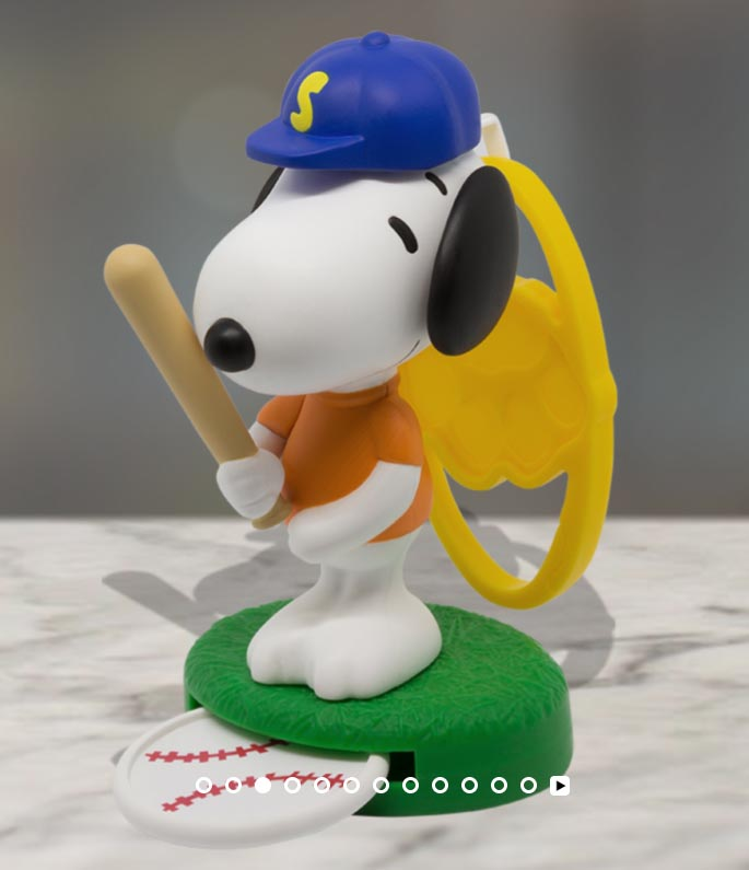 2018-march-peanuts-snoopy-baseball-mcdonalds-happy-meal-toys.jpg