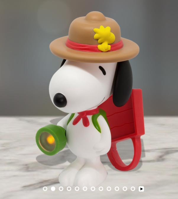 2018-march-peanuts-snoopy-scout-mcdonalds-happy-meal-toys.jpg
