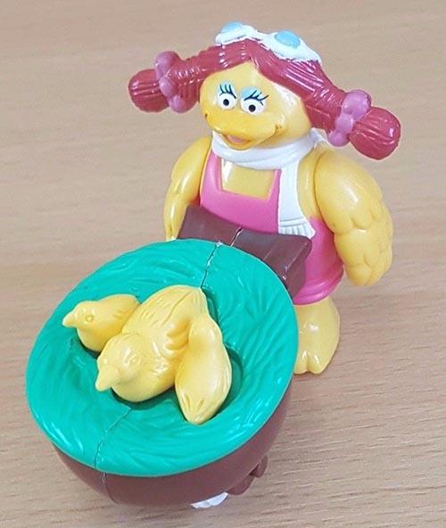 1995-mcfarm-mcdonalds-happy-meal-toys-birdie-hen-barrow