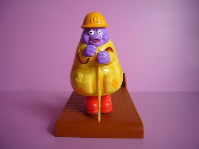 1996-mctoop-mcdonalds-happy-meal-toys-grimace.jpg