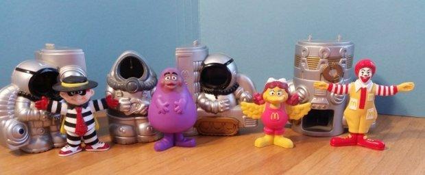 1998-mcspace-spaceship-banner-mcdonalds-happy-meal-toys.jpg
