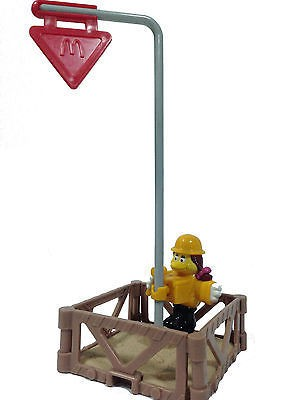 2000-mcworks-mcdonalds-happy-meal-toys-birdie.jpg