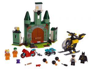 LEGO® DC Comics™ Super Heroes Products Batman™ and The Joker™ Escape 76138