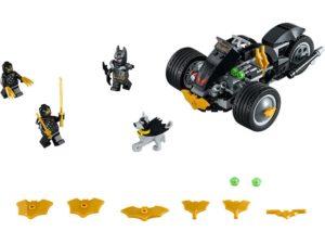 LEGO® DC Comics™ Super Heroes Products Batman™: The Attack of the Talons - 76110 - LEGO® DC Comics™