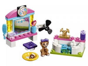 LEGO® Friends Puppy Pampering 41302