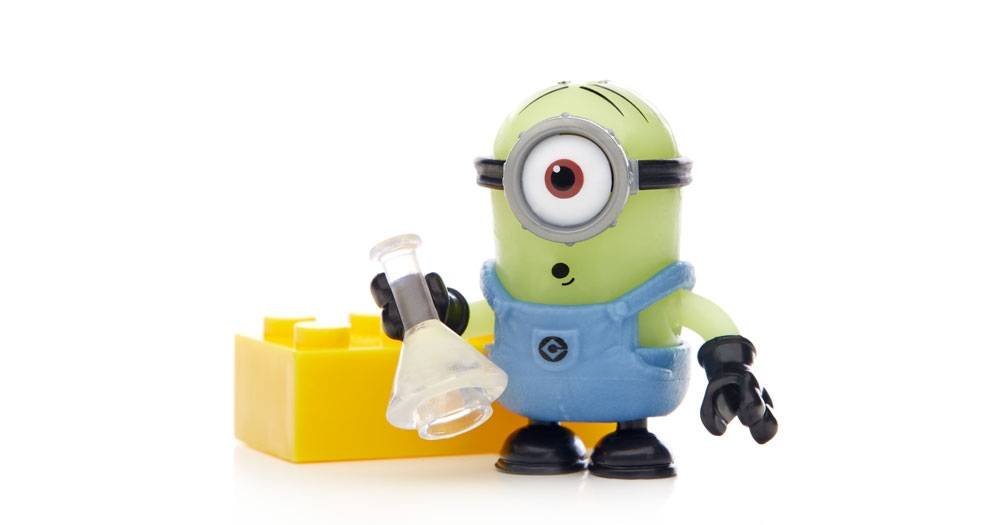 despicable-me-minions-blind-bag-pack-series-2-figures-04.jpg