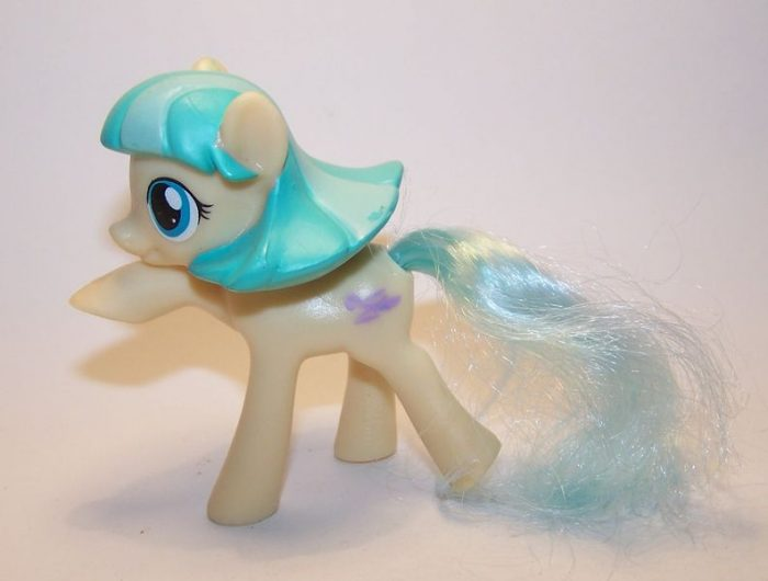 coco-pommel-my-little-pony-mlp-color-changing-ponies-2016-mcdonalds-happy-meal-toys